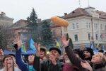 АТБ перетворив українців на голодних гладіаторів, а все через соціального буханця — епічні кадри