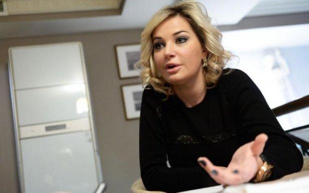 """Змінила думку: Максакова назвала """"замовників"""" чоловіка"""