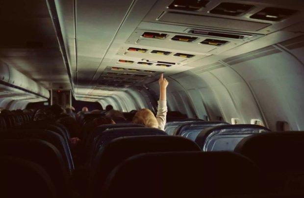 Вони дратують усіх: найжахливіші типи людей у літаку