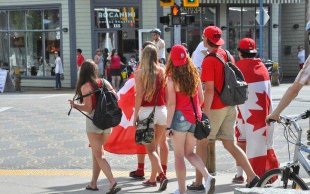 Украинцам станет сложней попасть в Канаду