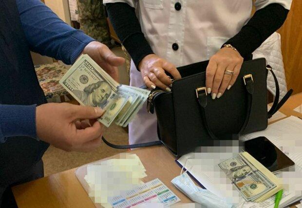 Задержание на взятке, фото: СБУ