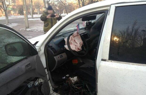 Авто после взрыва, фото: Twitter