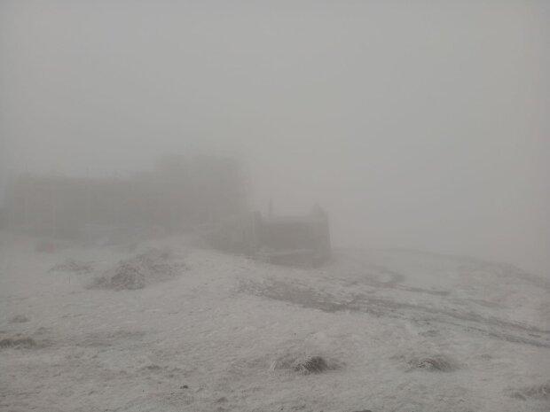 Піп Іван Чорногірський на Покрови вкрився снігом