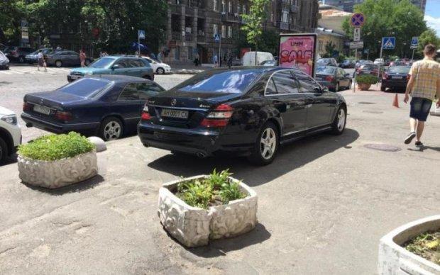 """""""Блатной"""" донецкий автохам взбесил киевлян"""