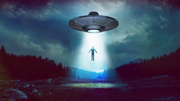 """""""Радянський Тесла"""" повернувся з Нібіру з моторошним пророцтвом: інопланетяни мчать до Землі, щоб перетворити її на пил"""