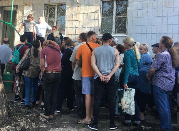 Шахов показал Зеленскому, что натворил Порошенко за 5 лет: кладбища усеяны могилами, медлить ни секунды