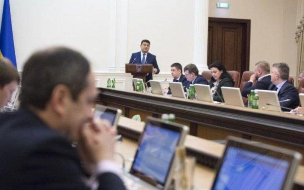 Треба потерпіти: у Гройсмана наобіцяли українцям золоті гори