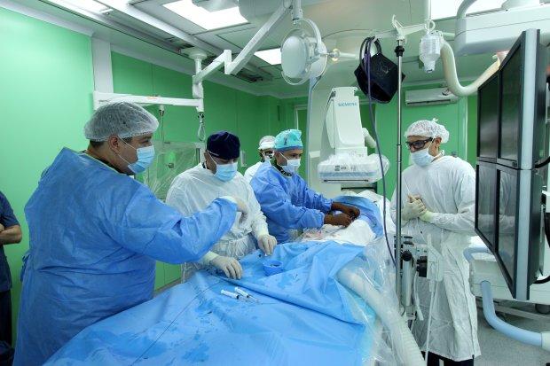 Львовские хирурги провели уникальную операцию: подарили младенцу вторую жизнь
