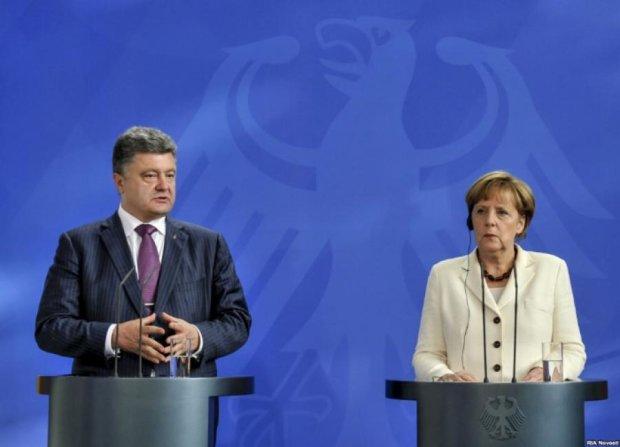 Порошенко і Меркель по телефону обговорили ситуацію на Донбасі