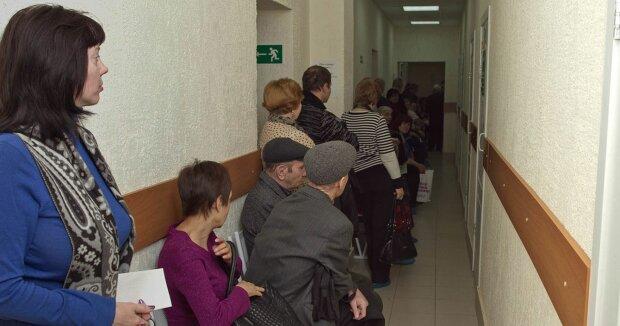 Государство в смартфоне: украинцам больше не придется стоять в очередях к нотариусам, что готовит новый закон