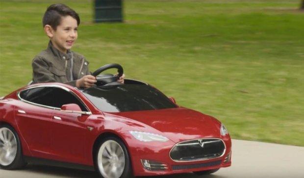 Навесні з'явиться Tesla Model S для дітей