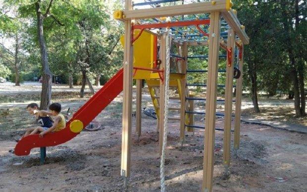 Оккупанты установили площадки-убийцы для крымских детей