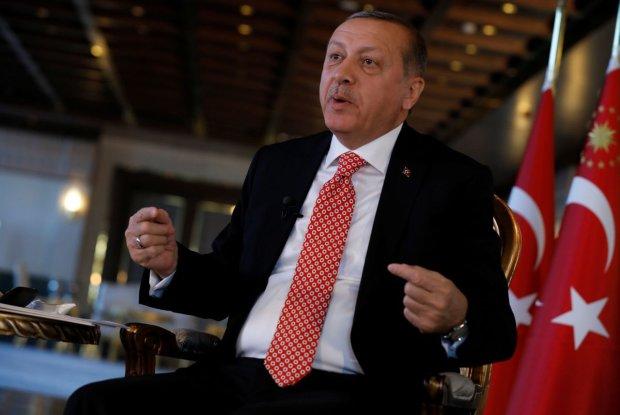 Приструнити Путіна чи допомогти йому? На саміті G-20 Ердоган здивував заявою, Україні є над чим замислитись