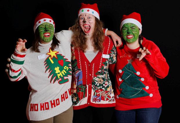 Как заставить себя похудеть: наденьте на Рождество уродливый свитер, и все поймете