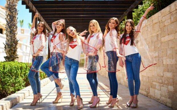 Знойные украинки взрывают известный конкурс пикантными мини-нарядами: видео