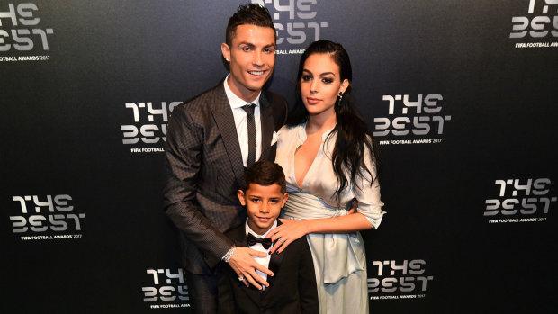 З продавчинь у дружини футболіста: Джорджина Родрігес розповіла про свої стосунки з Роналду