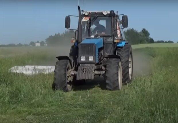 Під Тернополем юний шумахер влаштував покатушки на краденому тракторі - ніч, місяць і рев мотора