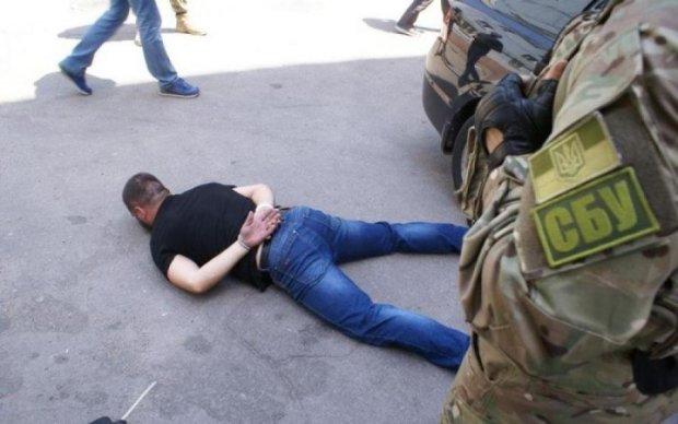 """СБУ задержала российскую """"крышу"""" украинских бизнесменов"""