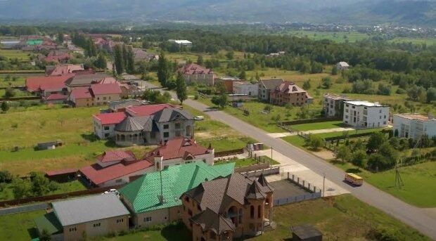 Леся Нікітюк заглянула в гості до найбагатших селян з палацами в 15 кімнат