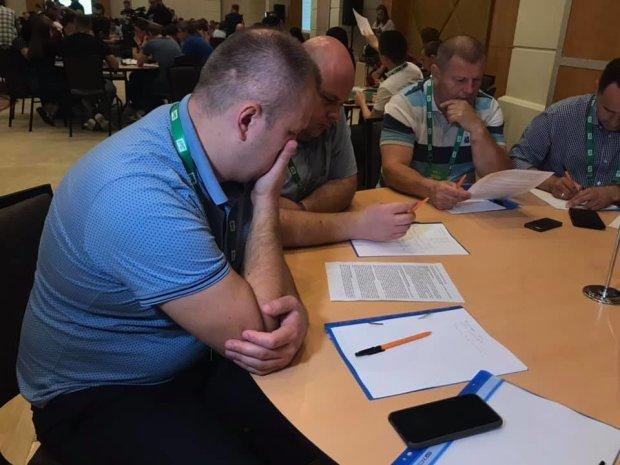 """У школі депутатів """"слуг народу"""" Зеленського обдали холодним душем: """"Ви всі - ніхто"""""""