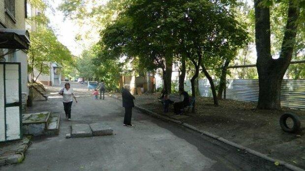 Перерезал шею и пошел спать: под Харьковом Отелло жестоко отомстил любовнице