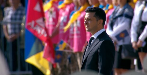 Главное за день пятницы 23 августа: обещания Зеленского на День флага, дворец Ахметова и ультиматум Вакарчука