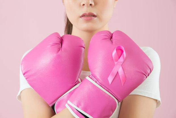 Первый звоночек: как распознать ранние признаки рака груди