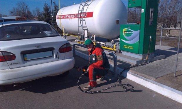 Українські автомобілісти пересідають з бензину на газ