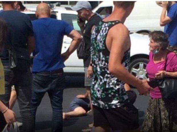 В Харькове ребенок ранил голову на зебре - спешил на троллейбус