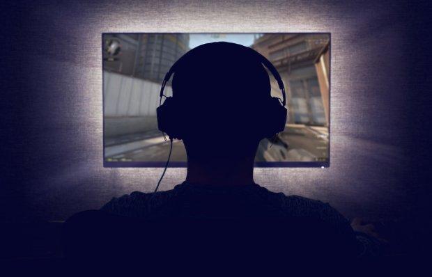 """В Steam впервые появится """"клубничка"""" без цензуры, но есть одно но"""