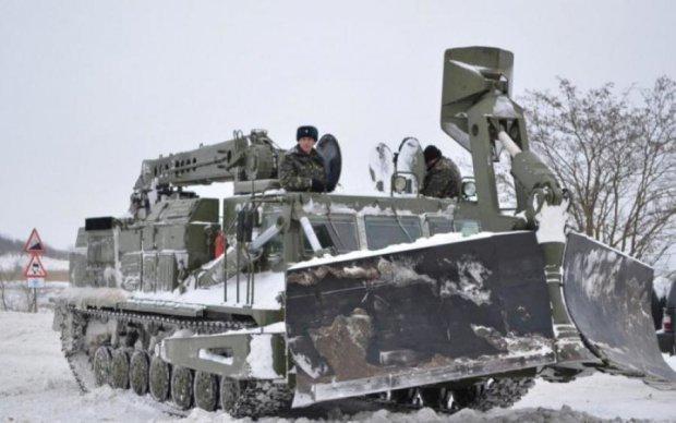 Такого еще не видели: украинские дороги от снега расчищают... трансформеры