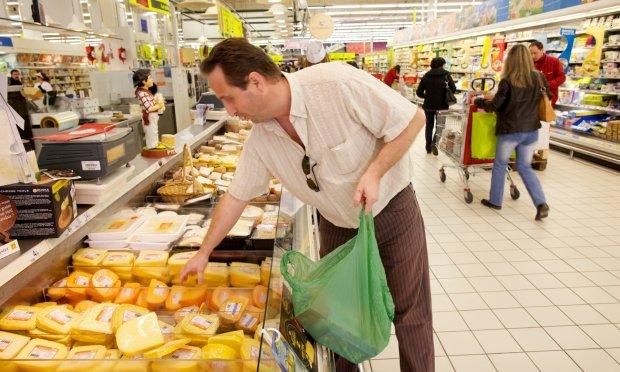 Продуктовий кошик українців спорожніє: ціни на продукти, які доведеться купувати втридорога