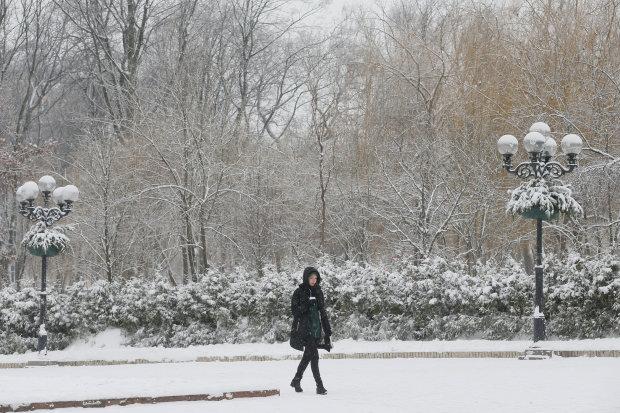 Адский холод и снежная безысходность: зима с первого дня показала характер, водителей умоляют быть осторожными, впечатляющие кадры