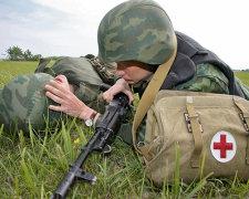 Террористы на Донбассе охотятся на украинских военных медиков