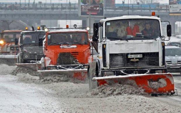 Лайфхак для водителей: где расчистили снег в Киеве