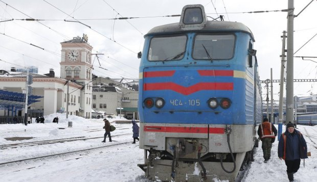 Мужчина встретил жуткую смерть под колесами поезда: детали кровавой трагедии держат под секретом