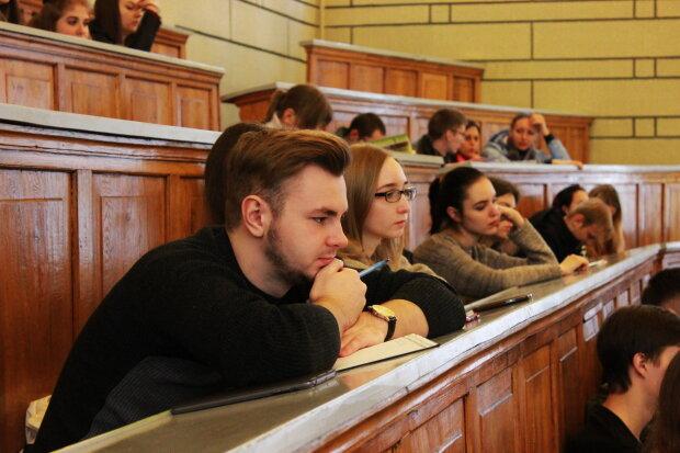 Сколько стоит один студент в Украине: рекордные суммы, в которые трудно поверить