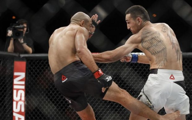 Стали відомі гонорари Альдо і Холлоуея за бій на UFC 212
