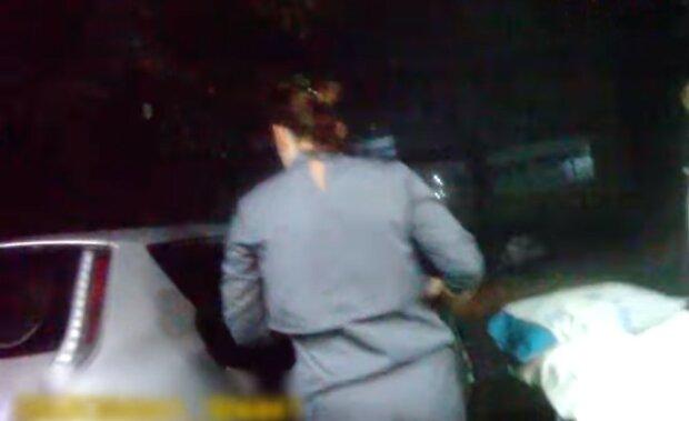 Дніпрянин прийняв дружині пологи на задньому сидінні машини - не розгубився ні на секунду