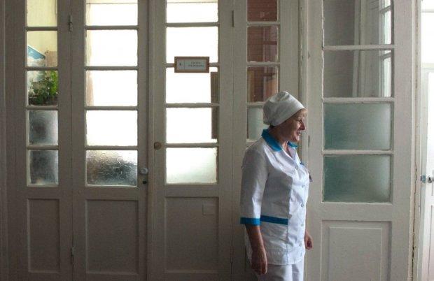 Епідемія туберкульозу охопила школу: заражених більше сотні, лікарі б'ють на сполох