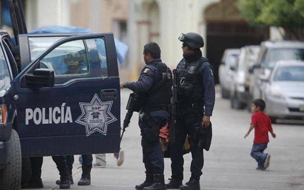 Винахідлива мексиканка засунула контрабанду в заборонене місце. Ви все правильно зрозуміли