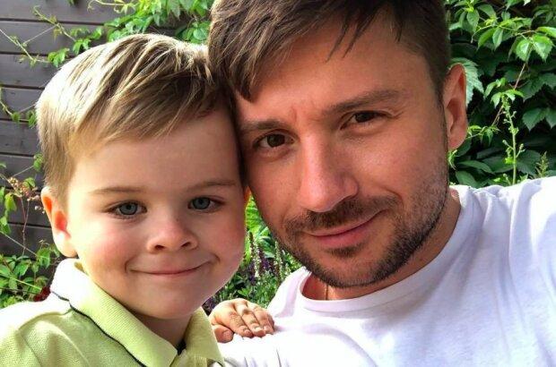 """Лазарев показал, как 5-летний сын """"разорвал"""" танцпол на празднике Киркорова: """"Весь в папу!"""""""