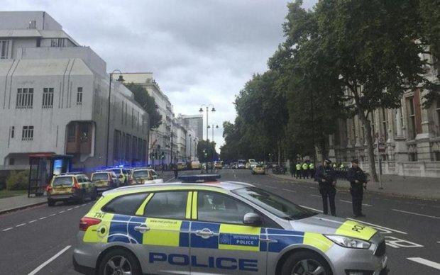Авто протаранило натовп у Лондоні: є постраждалі