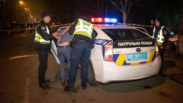 """Во Львове схватили рекетира за рулем - наглый таксист """"накрутил"""" счетчик"""" на 3000 долларов"""