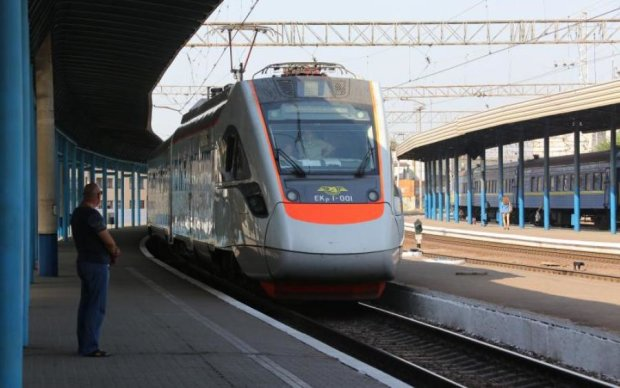 Наконец-то случилось: Укрзализныця похвастается новыми поездами