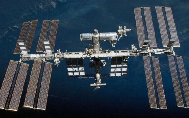 Боевые корабли летят к Земле: МКС заснял флот НЛО