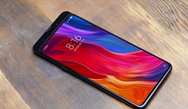 Блогер показал, из чего состоит хваленый Xiaomi Mi Mix 3: такого вы еще не видели