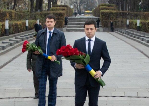75 річниця звільнення України: Зеленський вшанував пам'ять полеглих у Другій світовій, фото