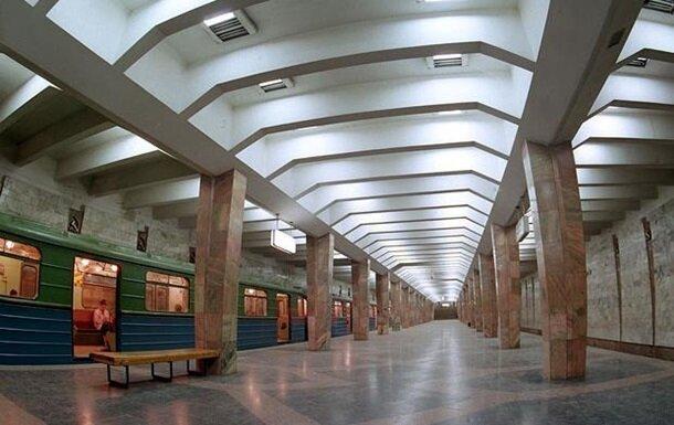 У метро, фото: youtube