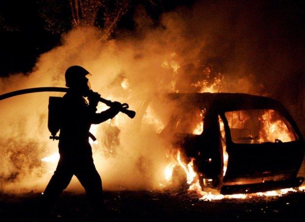 У Харкові нищать автівки: нічні палії нагнали страху на все місто, бережіть свої колеса